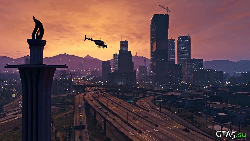Вертолет пролетает